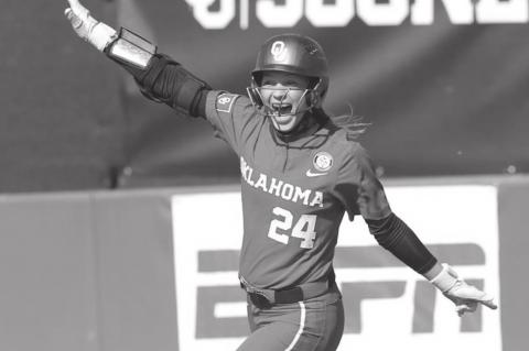 OU Women's Softball Sweep Texas Series