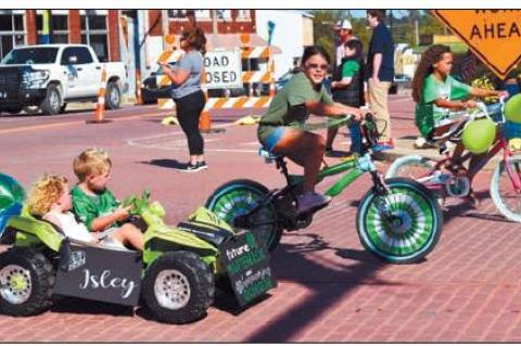 Go Big Green Seminole Celebrates Homecoming